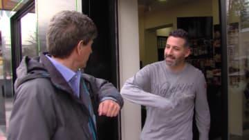 مراسل CNN بجولة في الحي الذي يقطن فيه بإسبانيا.. كيف كان أثر فيروس كورونا؟