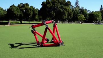 هذا الروبوت يمكنه تغيير شكله بطريقة فريدة