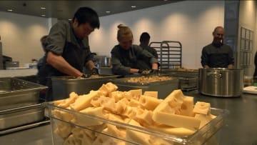 في خضم تفشي فيروس كورونا.. مطعم فاخر بـ700 دولار لطبق الطعام يُطعم المشردين في الدنمارك