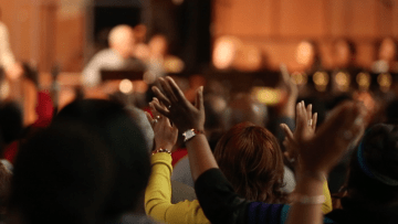 كنيسة أمريكية تفتح أبوابها للإسلام والبوذية واليهودية: الله أكبر من الجميع