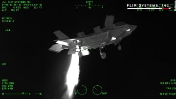 """كاميرا المسح الحراري تُبرز مزايا مقاتلة """"F-35"""" الحديثة"""