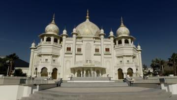 """داخل أول مدينة ملاهي """"بوليوودية"""" في العالم.. تفتتح في دبي"""