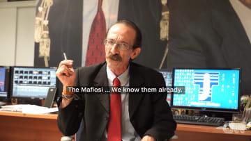"""من هو """"صياد المافيا""""؟ ولماذا تلاحقه السلطات الإيطالية؟"""