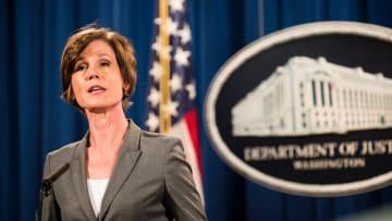 معلق سياسي لـCNN: ترامب في حالة فوضى وقرار إقالة وزير العدل بالوكالة ليس حكيماً