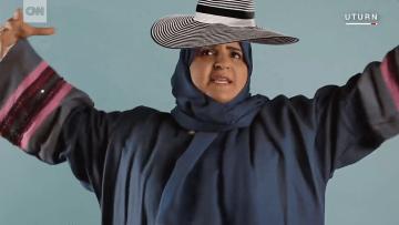 """الكوميدية السعودية هتون قاضي..عندما ينعتني الناس بالبشعة """"أضحك"""""""