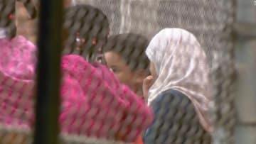 طرد مدرس بأمريكا نزع حجاب طفلة عمرها 8 سنوات