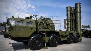 ما هي أبرز قدرات منظومة صواريخ S-400 الروسية؟