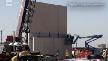 شاهد.. نماذج أولية من جدار ترامب الحدودي بين أمريكا المكسيك