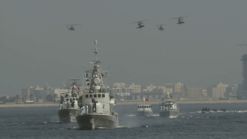 شاهد.. عرض عسكري بأول معرض دفاعي بالبحرين