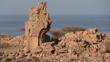 اكتشف مدينة قلهات العمانية العريقة بتاريخها