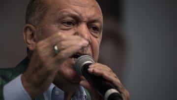 بالأرقام.. الخناق يضيق على الاقتصاد التركي