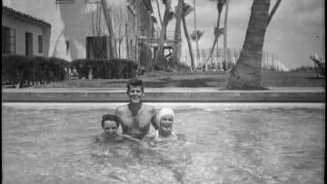 صور نادرة داخل الحياة الخاصة لعائلة جون كينيدي