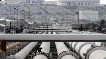 قبل أيام من العقوبات على النفط.. إلى أين تتجه صادرات طهران؟
