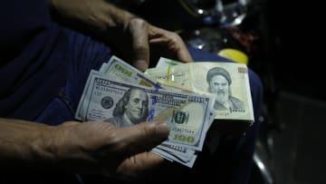 """إيران تتوقع """"حل"""" مشكلات اقتصادها.. تعرف على أبرز مؤشراته"""