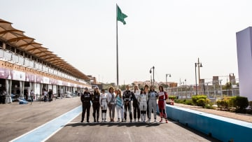 """ماذا تعني إقامة بطولة """"فورمولا إي"""" بالسعودية للنساء؟"""