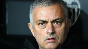 """بعد الصافرة.. من سيكون المدرب """"الدائم"""" لليونايتد بعد مورينيو"""