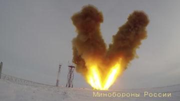 """روسيا تعلن نجاح اختبار صاروخ """"أفانغارد"""" النووي"""
