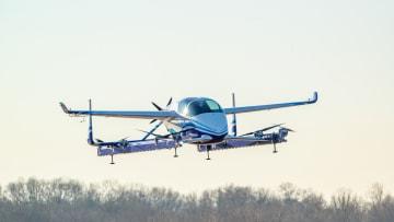 """ذاتية القيادة.. إليك """"السيارة الطائرة"""" من بوينغ"""