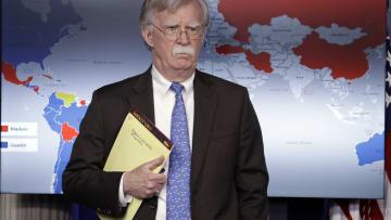 هل فضح مستشار لترامب خطط أمريكا العسكرية بالخطأ؟