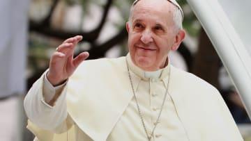 البابا فرنسيس يزور الإمارات بأول رحلة له إلى الخليج