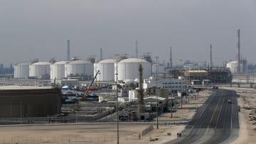 أسعار النفط تواصل الصعود.. فما الأسباب؟
