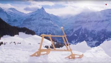 دراجة خشبية حصرية لهذه البلدة السويسرية.. ما قصتها؟