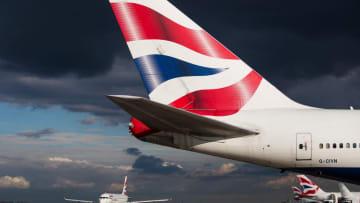 طائرة ركاب بريطانية تتأرجح في السماء بسبب الرياح القوية