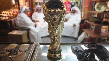 الفيفا يدرس مشاركة عمان والكويت لقطر في استضافة كأس العالم 2022