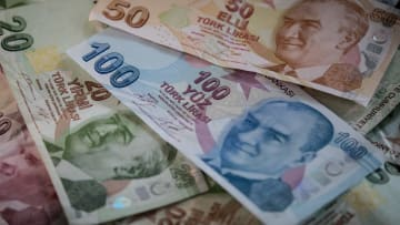 كيف أثر تدهور سعر الليرة على مليارديرات تركيا؟