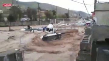 قتلى وجرحى في فيضانات مفاجئة في إيران