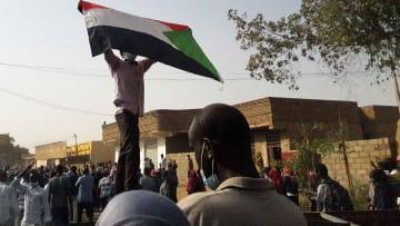 حصري.. يوم من انتفاضة السودان: تعذيب وثلاجة وبيوت أشباح ورعب