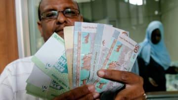 كيف تدعم مليارات السعودية والإمارات الجنيه السوداني؟