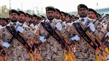 من يتفوق في حال اندلاع حرب شاملة بين إيران وأمريكا؟