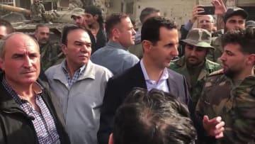 شبكة CNN داخل القبو السري.. صيادو الوثائق يلاحقون نظام الأسد
