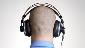 كيف يمكن للاستماع إلى الموسيقى أن يساعد الدماغ إيجابياً؟