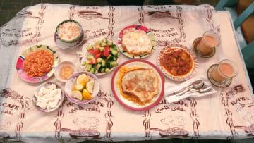 """""""مقهى حاجي"""".. من أقدم المقاهي الشعبية بالبحرين التي سحرت كبار الشخصيات"""
