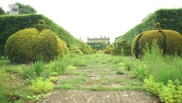 """نظرة داخل الحدائق الخاصة """"المذهلة"""" للأمير تشارلز في بريطانيا"""