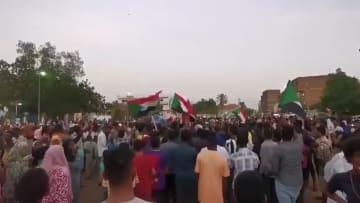 """احتفالات في السودان بعد التوصل لاتفاق """"الفترة الانتقالية"""""""