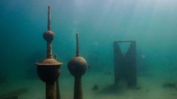 استكشف أول متحف تحت الماء في السعودية