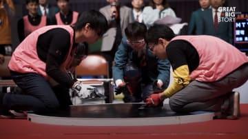 في اليابان.. مصارعة السومو لم تعد مقتصرة على البشر