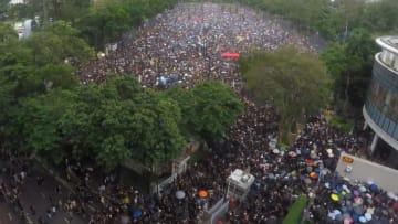بتقنية الفاصل الزمني.. احتجاجات هونغ كونغ تتجاوز 1,7 مليون