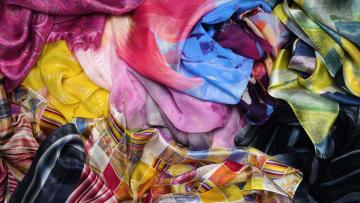 اكتشف فن طباعة الرخام التي تستخدمها أهم علامات الأزياء