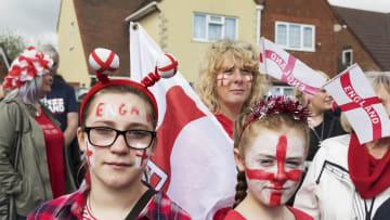 """بأسلوب فكاهي..مصور يعكس حالة بريطانيا في عصر """"بريكسيت"""""""