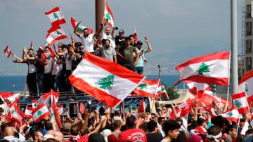 من لبنان لهونغ كونغ.. تصاعد المظاهرات حول العالم.. والسبب؟