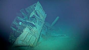 شاهد كيف يبدو حطام سفينة أمريكية بعمق أكثر من 6 كيلومترات