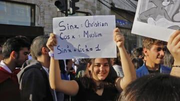 لبنان.. كيف وحد الفساد المتظاهرين؟