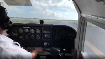 فيديو التقط من قمرة القيادة.. لحظة تحطم طائرة أثناء هبوطها