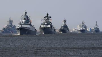 مصر تتصدر العرب وإيران تسبق روسيا.. أكبر 7 قوات بحرية عدديا