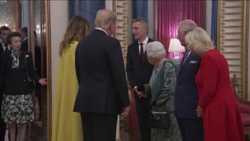 فيديو هز الأميرة آن لكتفيها أمام ترامب يثير جدلا.. هذا السبب