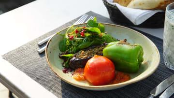 """""""الأخوات الثلاث"""".. تعرف إلى أحد أشهر أطباق الـ""""دولما"""" بأذربيجان"""